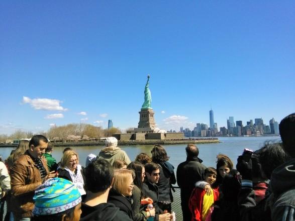 Diatas kapal Cruise menuju Liberty Island..